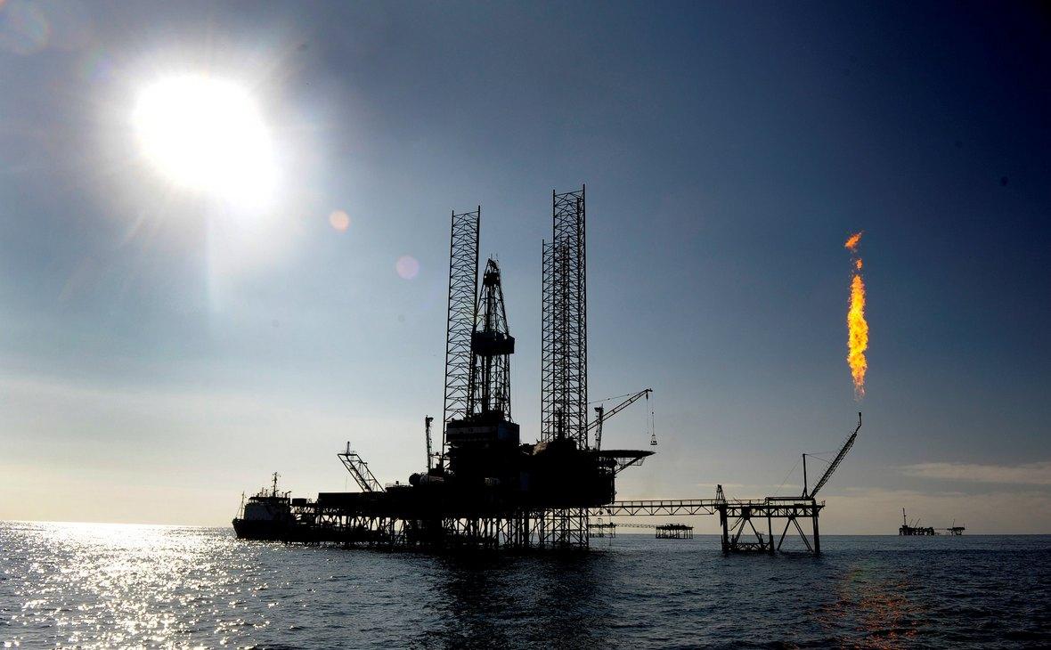 Добыча нефти (Фото: пользователя Adam с сайта flickr.com)